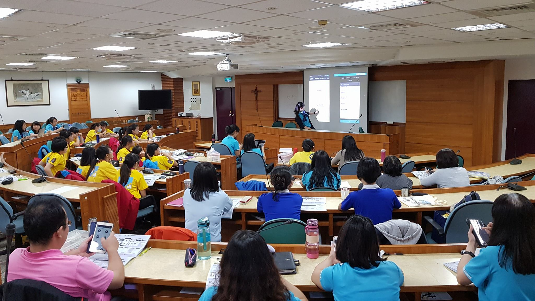 Introducing QuinJunSAT idea in the training of Girl Scouts of Taiwan in Taichung